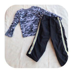 6/$15 4T Healthtex shirts & pants